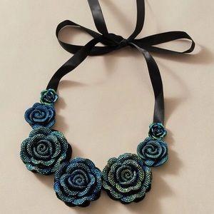 🎀 Flower Statement Necklace 🎀